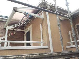 「サイディングとモルタル外壁の住宅を塗装できれいにした事例(東京都八王子市)」のBefore写真
