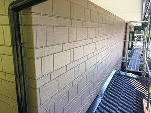「粉を吹いていたサイディング外壁が塗装工事でピカピカに!(神奈川県鎌倉市)」のAfter写真