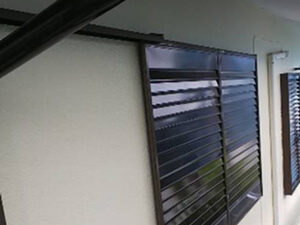 「雨どいの塗膜が剥がれた住宅を塗装工事!新築のように美しくなった事例(神奈川県藤沢市)」のAfter写真