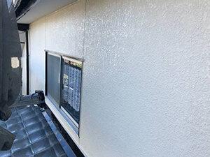 「モルタルとトタンの両方の外壁があるE様邸を、塗装した施工事例(逗子市)」のAfter写真