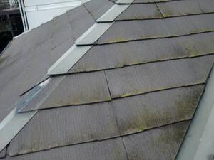 「築15年のA様邸を、おしゃれなガーネット色に変身させた屋根塗装(東京都武蔵野市)」のBefore写真
