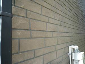 「外壁塗装と屋根塗装をまとめて実施!住宅丸ごときれいになったH様邸(神奈川県座間市)」のBefore写真