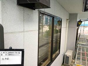 「サイディング外壁とトタン屋根をまとめて塗装したT様邸の事例(神奈川県逗子市)」のBefore写真