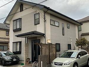 「チョーキングが起きている外壁を塗装!美観を取り戻した事例(神奈川県愛川町)」のBefore写真