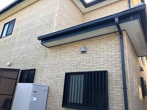 「コケが生えた築9年の住宅を外壁塗装!サイディング外壁の施工事例(東京都武蔵野市)」のBefore写真