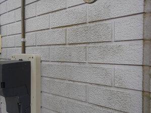 「付帯部分にコケが生えたO様邸を塗装工事!清潔感を取り戻した事例(神奈川県愛川町)」のBefore写真