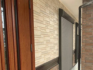 「サイディングのデザインを残したクリアー塗装!バルコニー防水塗装も(神奈川県逗子市)」のAfter写真