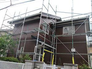 「ブラウンの外壁にイメチェン!おしゃれ度がアップしたU様邸の事例(神奈川県寒川町)」のAfter写真