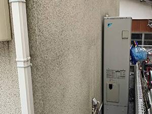 「築13年のモルタル外壁を、フッ素塗料で塗り替え工事した事例(東京都町田市)」のBefore写真