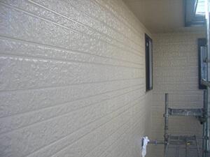 「黒ずみ汚れのあるサイディングを、外壁塗装でピカピカにした事例(神奈川県愛川町)」のAfter写真