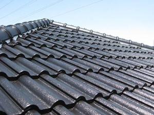 「セメント瓦の屋根を塗装工事でピカピカに!T様邸の施工事例(東京都武蔵村山市)」のAfter写真