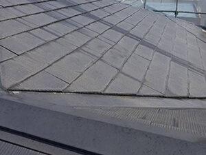 「スレート屋根を塗装工事でメンテナンス!O様邸の施工事例(神奈川県大磯町)」のBefore写真