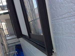 「1階と2階を違う色で外壁塗装!おしゃれ度が高まったT様邸の事例(東京都武蔵村山市)」のAfter写真