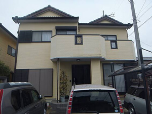 「築14年のサイディング外壁を塗装!ブルーへの塗り替えでイメチェン!(千葉県市川市)」のBefore写真