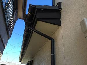「2度目の外壁塗装をいえふくで施工!クリーム色で塗装したF様邸(千葉県市川市)」のBefore写真