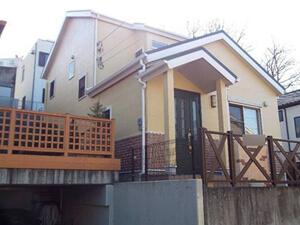 「おしゃれな洋風住宅を外壁塗装!一部の外壁にはクリアー塗装を実施(千葉県市川市)」のAfter写真