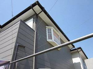 「黒ずんだ外壁を塗装でリフレッシュ!グレーの外壁に変身したN様邸(千葉県船橋市)」のAfter写真