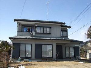 「外壁と屋根をまとめて塗装!モダンな外観がよりおしゃれになった事例(千葉県船橋市)」のBefore写真