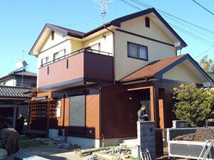 「外壁と屋根をまとめて塗装!おしゃれな洋風住宅に仕上がったM様邸(千葉県船橋市)」のAfter写真