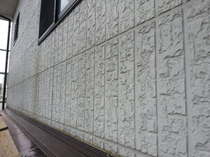 「ブルー×オフホワイトのツートンカラーで外壁塗装したK様邸の事例(神奈川県横浜市)」のBefore写真
