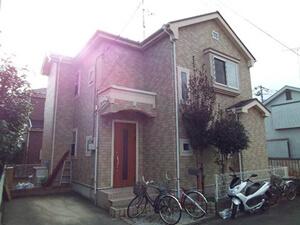 「築10年の住宅を外壁塗装!真っ白な外観へと変身したA様邸(神奈川県横浜市)」のBefore写真