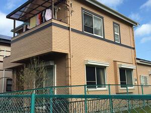「赤茶色のレンガ風サイディングを黄色にイメチェンしたS様邸(千葉県市川市)」のAfter写真