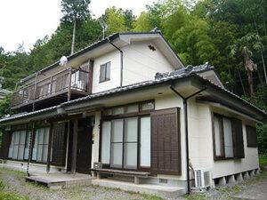 「黒ずみが目立つ外壁を約10年ぶりに再塗装! 明るい外観になったK様邸(神奈川県横浜市)」のAfter写真