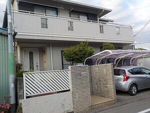 「キッカケは門扉の汚れ!外壁と屋根をまとめてリフォームしたご住宅(神奈川県横浜市)」のBefore写真