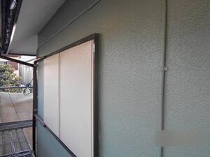 「ひび割れが生じた外壁を修復・塗装!色あせた雨戸も塗装したE様邸(千葉県船橋市)」のAfter写真