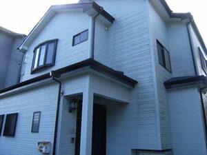 「コケや黒ずみが気になる築12年の住宅を外壁塗装でピカピカに!(千葉県鎌ケ谷市)」のBefore写真