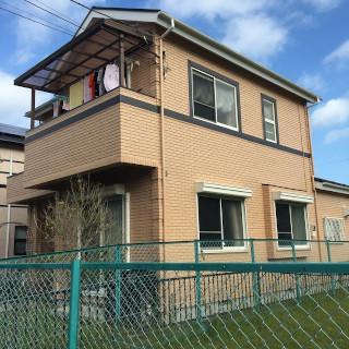 赤茶色のレンガ風サイディングを黄色にイメチェンしたS様邸(千葉県市川市)