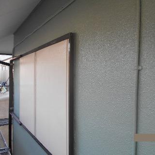 ひび割れが生じた外壁を修復・塗装!色あせた雨戸も塗装したE様邸(千葉県船橋市)