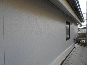 「築13年のS様邸、外壁に生じた黒ずみやコケを洗い流してピカピカに!(千葉県流山市)」のAfter写真