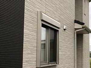「築8年のサイディング外壁をクリアー塗装!ベランダのトップコートも(神奈川県川崎市)」のBefore写真