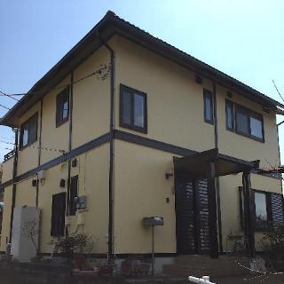 築9年のI様邸。黒ずんでしまったモルタル外壁も塗装でピカピカに!(千葉県船橋市)
