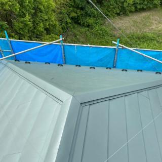 色あせが目立つようになったスレート屋根を重ね葺き!築16年の住宅(千葉県鎌ケ谷市)