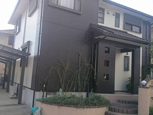 「以前と色が違うツートンカラーの塗装でイメージが変わったM様邸(千葉県市川市)」のAfter写真