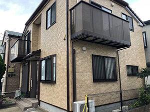 「外壁にコケが生じた築8年のT様邸。コケを落としてクリアー塗装施工(千葉県船橋市)」のAfter写真