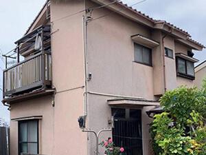 「劣化で弱ったモルタル外壁の補強と塗装!軽量な屋根に葺き替えました(東京都町田市)」のBefore写真