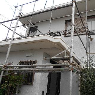 雨だれが気になるモルタル外壁を塗装し、ピカピカな仕上がりに!(千葉県市川市)