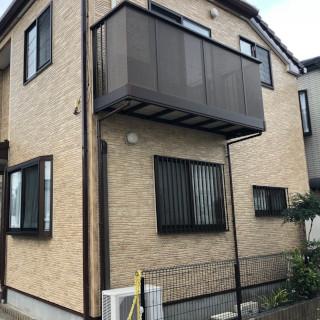 外壁にコケが生じた築8年のT様邸。コケを落としてクリアー塗装施工(千葉県船橋市)