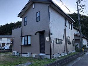 「雨だれ汚れが気になる外壁を塗装。まるで新築のような仕上がりに(神奈川県大和市)」のAfter写真
