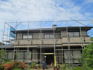 「1階と2階で色を分けた塗装に!屋根も塗装し新築のようなF様邸(千葉県松戸市)」のBefore写真