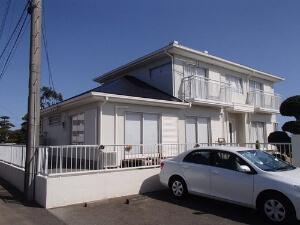 「汚れでくすんだ外壁を真っ白に塗装!屋根もまとめて施工したS様邸(千葉県野田市)」のAfter写真