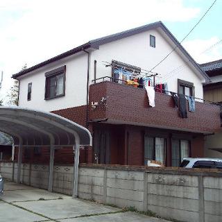 2種類のサイディングボードを色を変えて塗装したT様邸(千葉県習志野市)