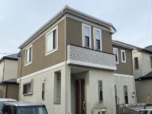 「気になる汚れが塗装でキレイに!1階と2階で2色を使い分けたM様邸(千葉県千葉市)」のBefore写真