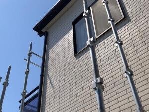 「築13年のサイディング外壁とセメント瓦を塗装!ピカピカになりました(神奈川県秦野市)」のBefore写真