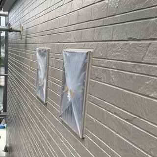 2種類のサイディング外壁をツートンから同系色へ塗りかえました!